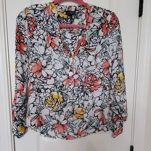 Floral blouse with gold button detail